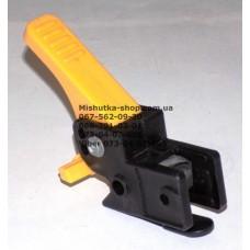 Осевой блок заднего колеса + тормозная педаль к коляске Geoby D208, D205, D209, D388 (черный корпус - желтая педаль) (d=16мм, 16*16мм) (29065)